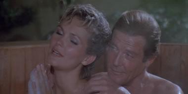 James Bond og Pola Ivanova