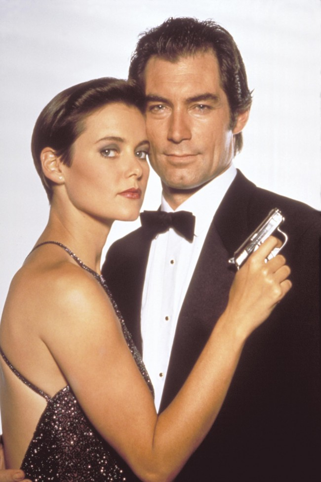 Pam Bouvier (Carey Lowell) og James Bond (Timothy Dalton) i Licence To Kill (1989)