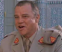 Joe Don Baker som Brad Whitaker