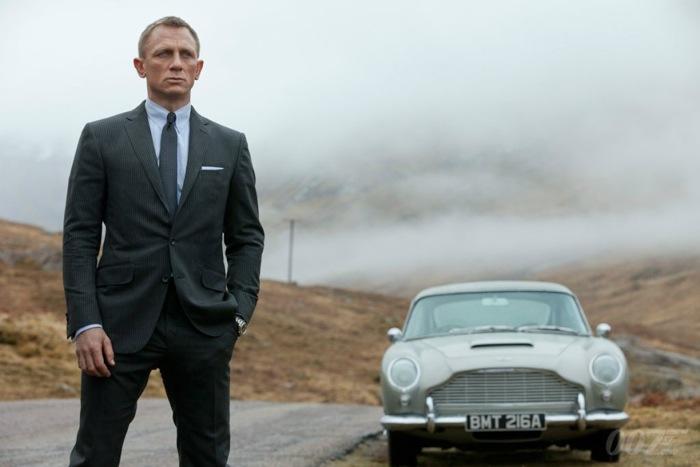 James Bond og hans Aston Martin i Skyfall
