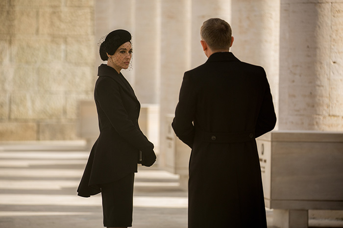 Lucia Sciarra (Monica Bellucci) og James Bond i Spectre (2015)