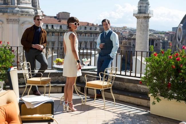 Illya Kuryakin (Armie Hammer), Gaby Teller Alicia Vikander), og Napoleon Solo (Henry Cavill) i en scene fra The Man From U.N.C.L.E. (2015)